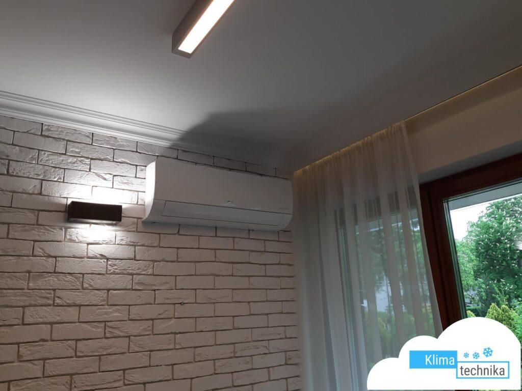 split-w-mieszkaniau